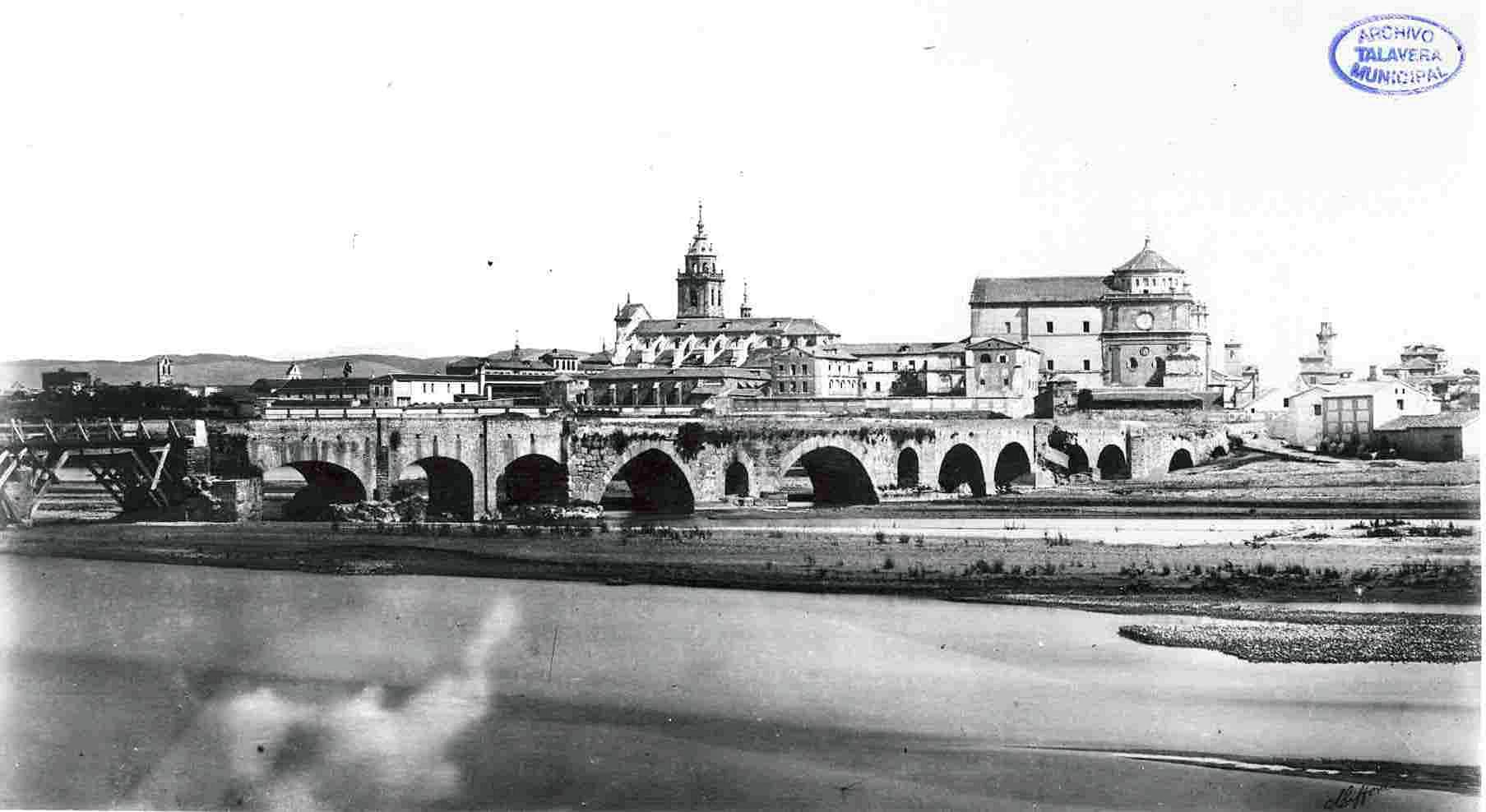 Esta es la fotografía más antigua de Talavera, con una vista de Charles Clifford