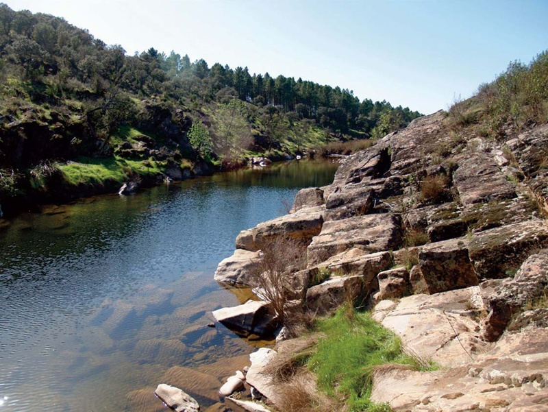 Entorno de los Grabados en el río Estenilla de Anchuras