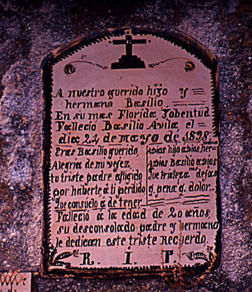 Placa funeraria del cementerio viejo de Oropesa
