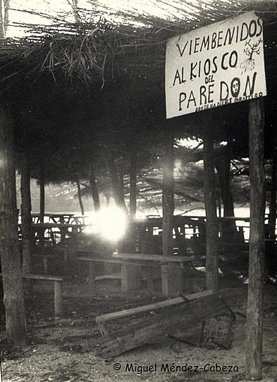 Imagen del Kiosco del Paredón poco después de ser clausurado