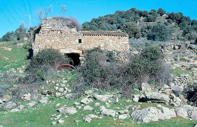 Molino en el arroyo del Batán en Garciotún-Bayuela