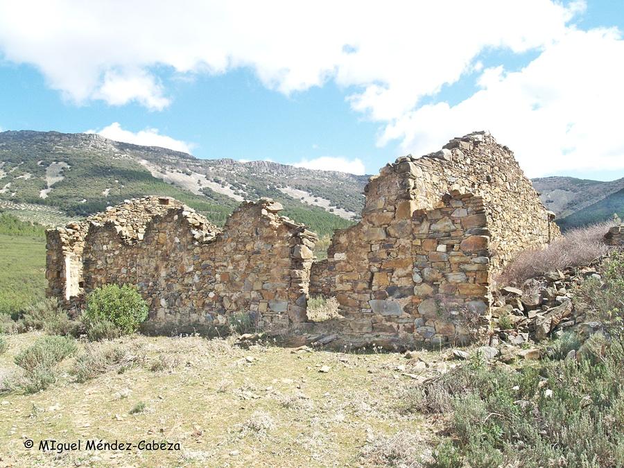 """Ruinas de las """"minas de Antonio"""" en Sevilleja"""