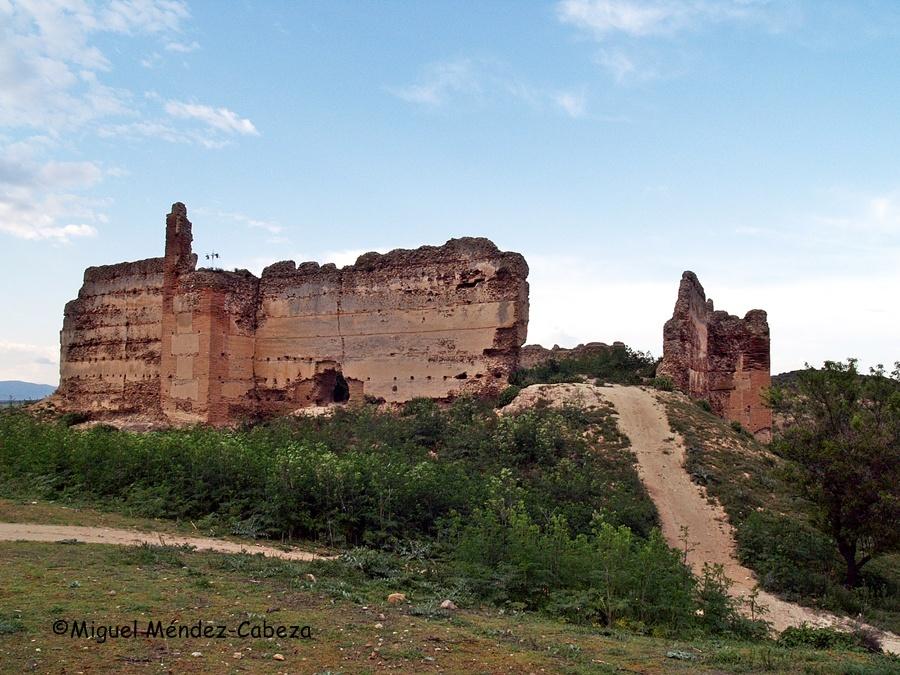 Castillo de Villalba en término de cebolla, frente a Malpica
