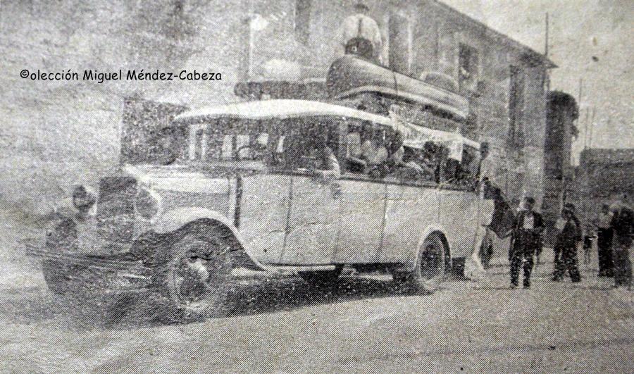 Los piragüistas del Canoe salen de excursión con sus piraguas a Arenas de San Pedro