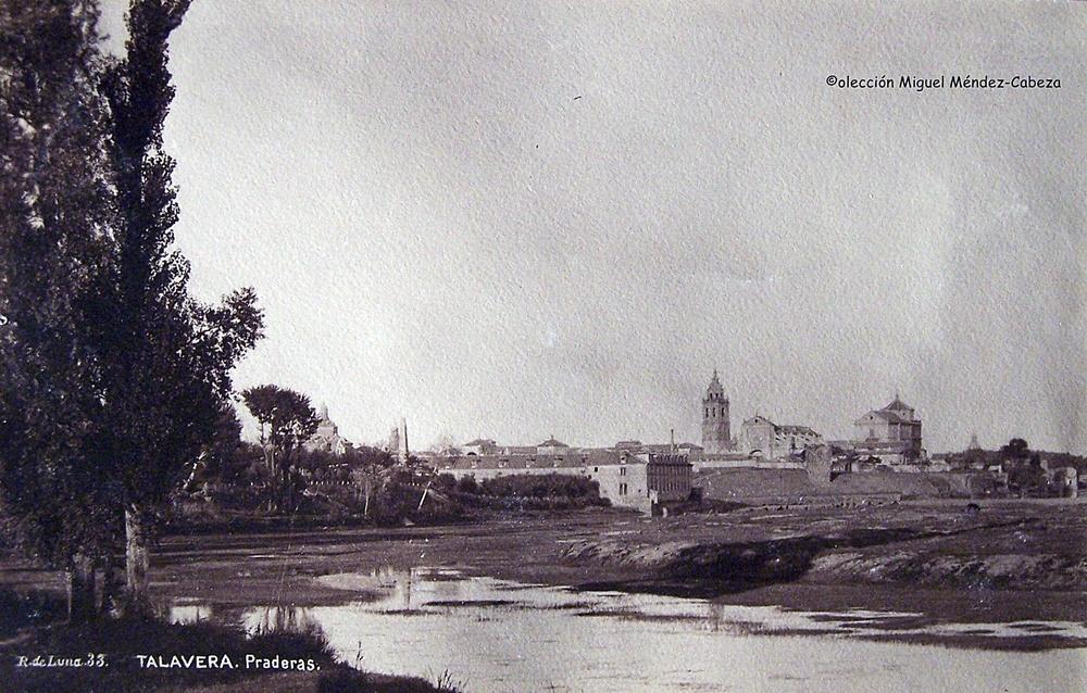 Fotografía de Ruiz de Luna desde el paredón. Se ve el edificio de las Reales fábricas en la misma orilla