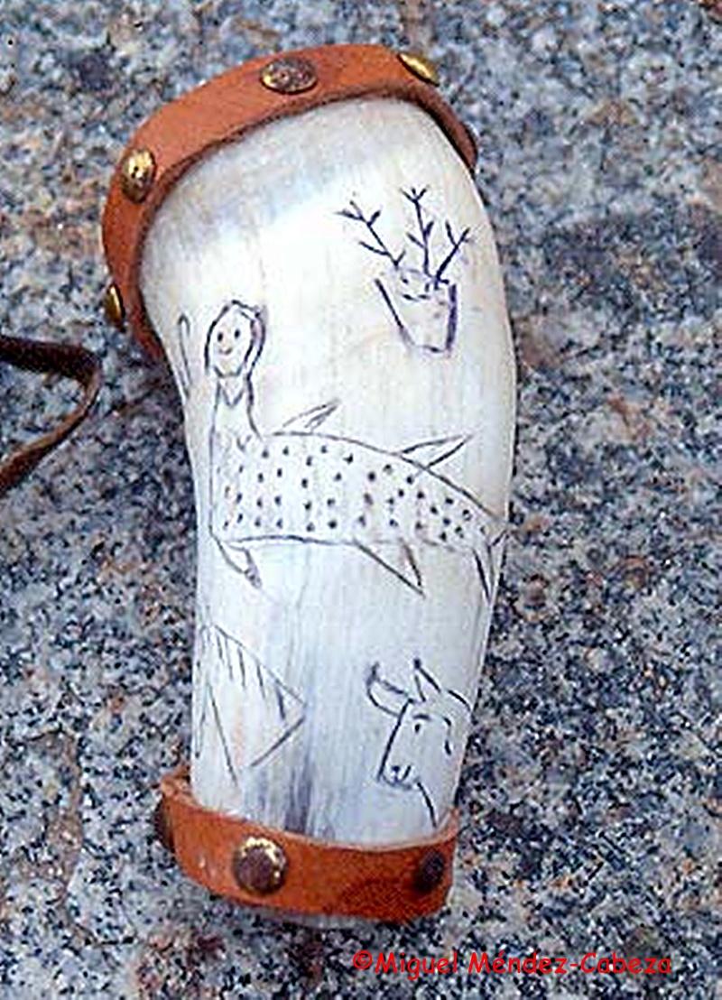 Cuerno de pastor para beber con la representación muy frecuente de una sirena o ninfa.