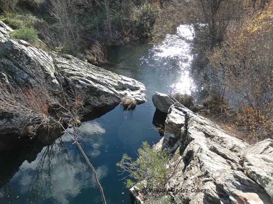 Pozas del Jébalo. Esta es la de malpasillo poruqe se puede cruzar el río de un sakto. parajes ideales para el baño con pozas de hasta 5 metros de profundidad.