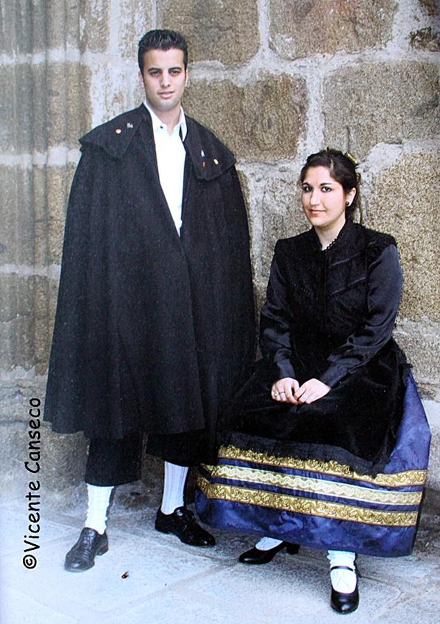 Traje tradicional de Talavera, más sobrio y castellano que el de Alfarera de Gala de Ruiz de Luna