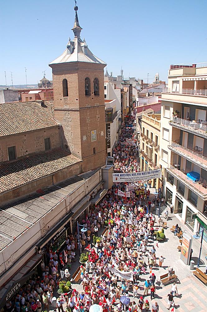 La histórica manifestación en defensa del Tajo de Talavera de 2009