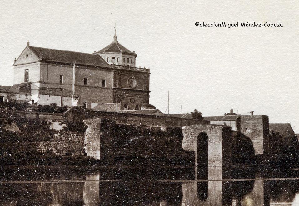 Torre de Nazar, donde se situaba la rueda que subía agua a la ciudad