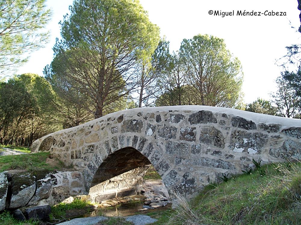 Puente Chico sobre un afluente cerca del tiétar