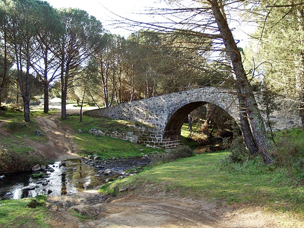 Puente Mosquea sobre el Tiétar