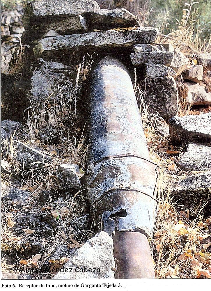 Recptor de molino de tubo con un cubo de xinc adaptado para mantener esranqueidad. Molino de garganta Tejea