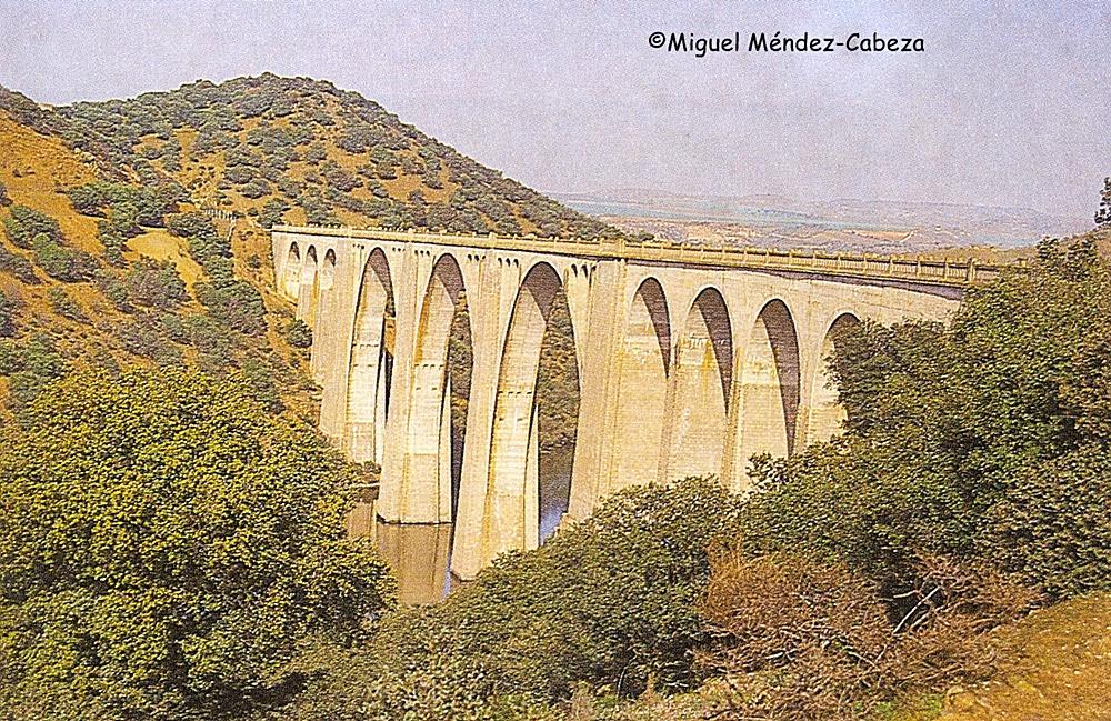 Viaducto a puente de Amador, llamado así por el contratista que lo levantó