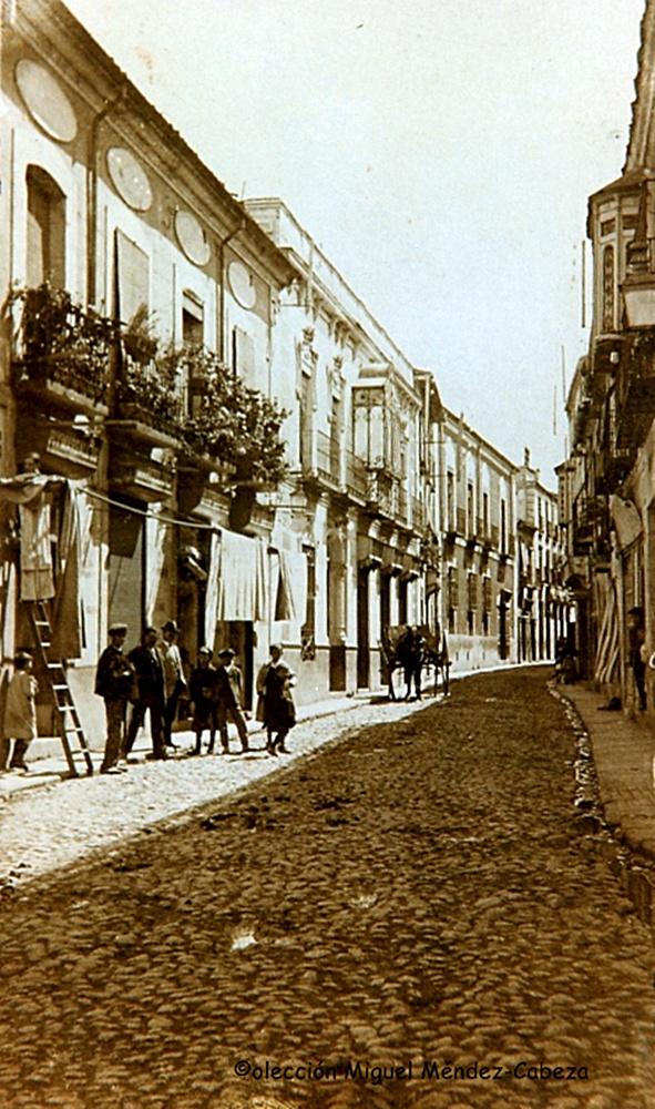 Calle de San Francisco desde la entrada de la iglesia del mismo nombre