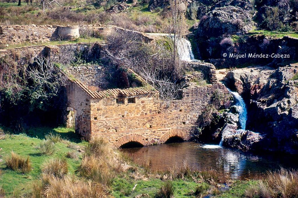 Molino del Estanco en la desembocadura de Riofrío en Huso