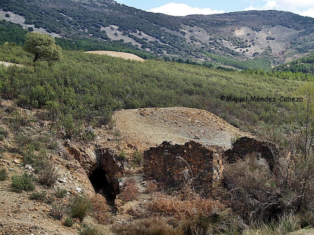 La Jara es tierra minera con numerosas bocaminas y acumulaciones de residuos mineros