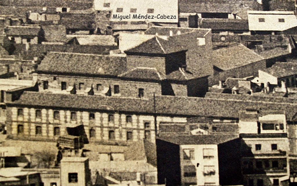 La Trinidad cuando era fábrica de harinas en fotografía aérea de los años 60