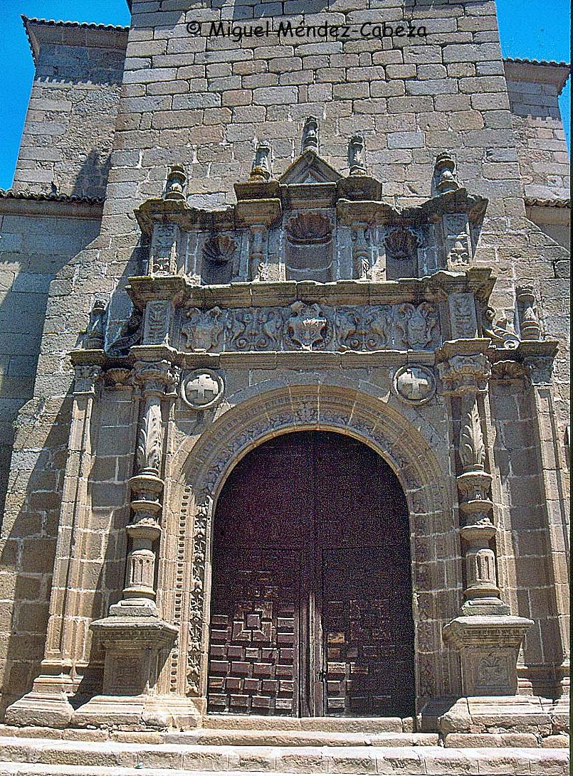 Portada de la iglesia parroquial de Oropesa