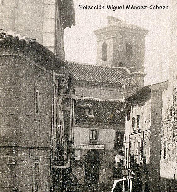 La calle Arco de San Pedro y la iglesia de San Pedro al fondo