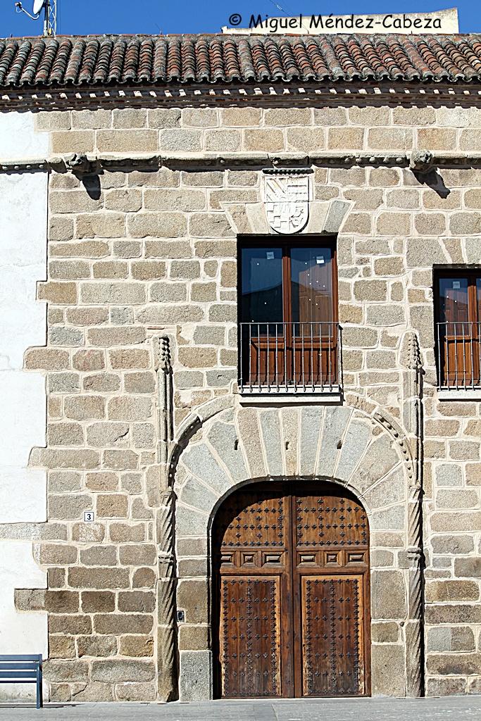 Palacio de Villatoya, construido en la época de los viajeros que referimos