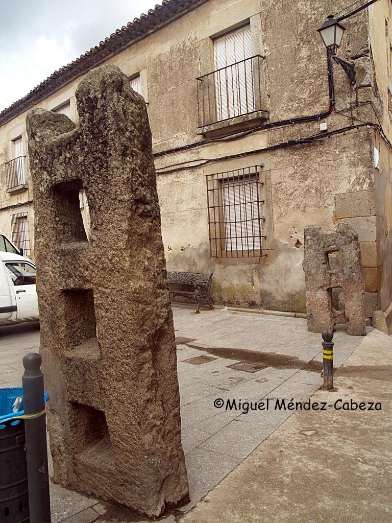 Agujas de granito para el cerramiento de las plazas para la celebración de festejos taurinos