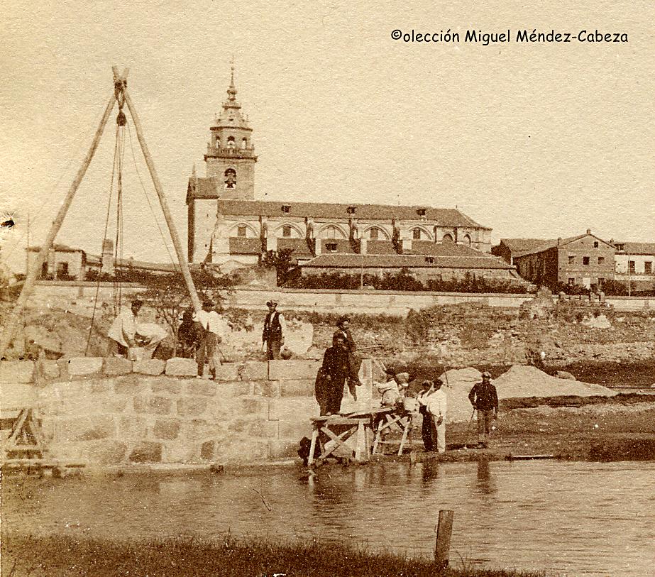 Obras en el primer pilar del puente de Hierro