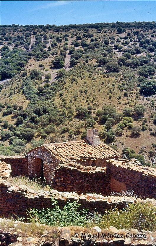 Casa de majada en El Portezuelo, junto al río Jébalo
