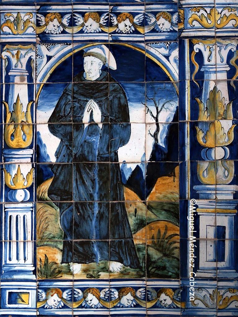 Panel de azulejos que representa a san Francisco en la iglesia parroquial de Candeleda