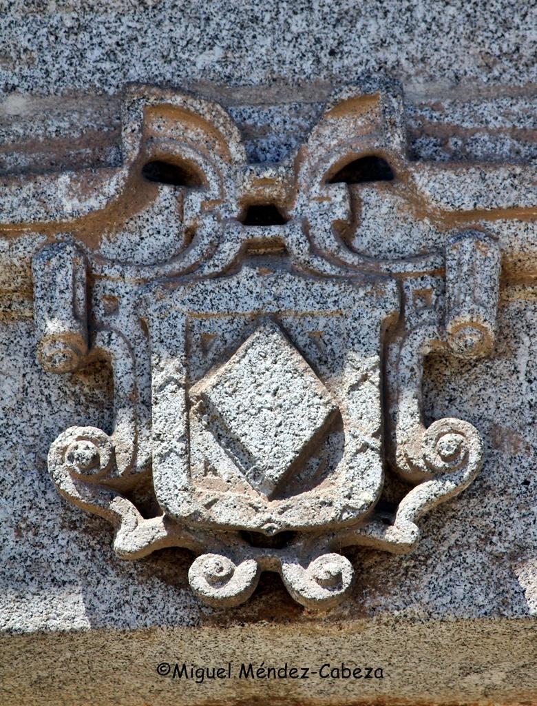 El breviario era el blasón del canónigo Hernando de Alonso, fundador de este y otros hospitales como el de Villar del Pedroso