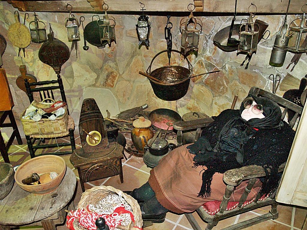 Cocina de lLa Jara recreada en la colección etnográfica del restaurante de Minas de Santa Quiteria