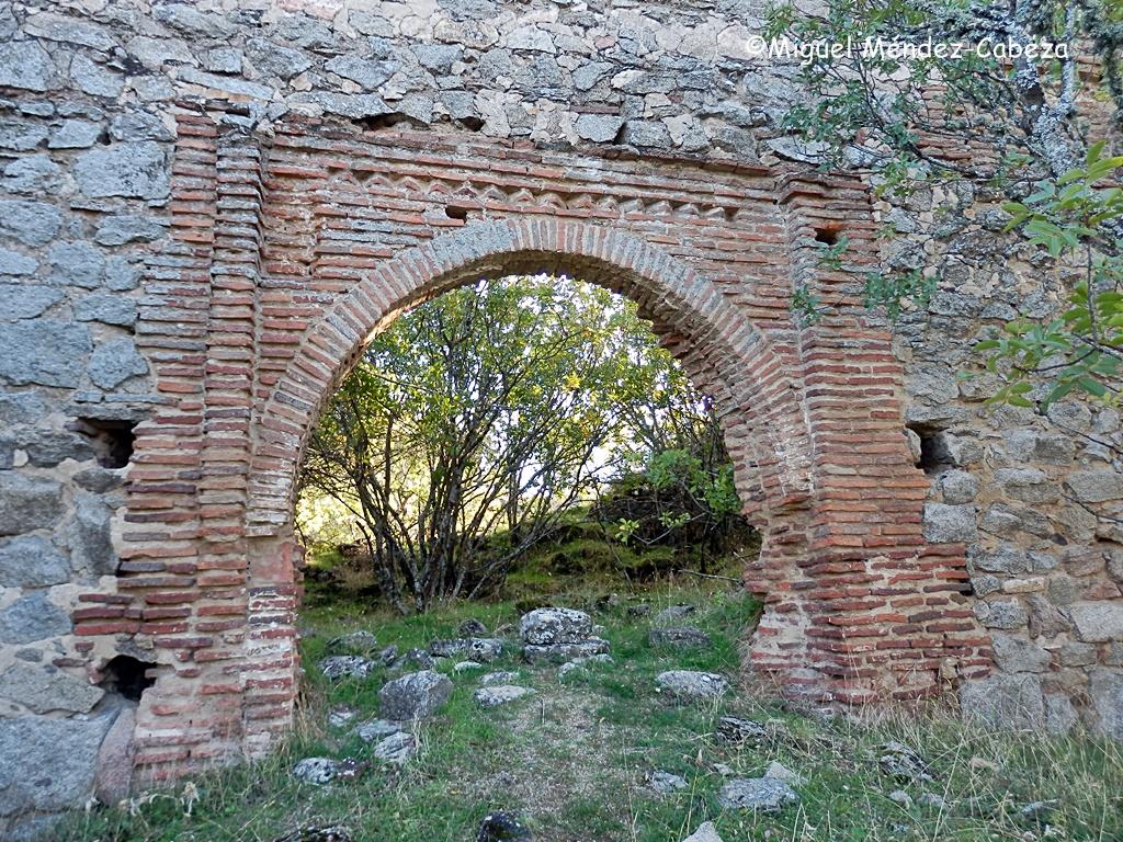POrtada mudéjar de la iglesia del cerro del Castillo