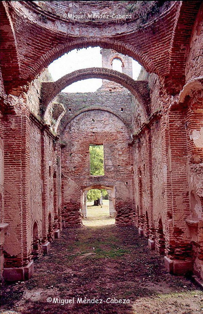 Interior de la iglesia del convento de Rosarito en fotografía reciente