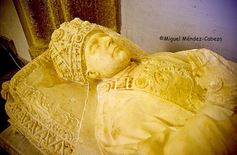 Sepulcro de García de Loaysa, confesor de Carlos V en el convento de Santo Domingo, su fundación