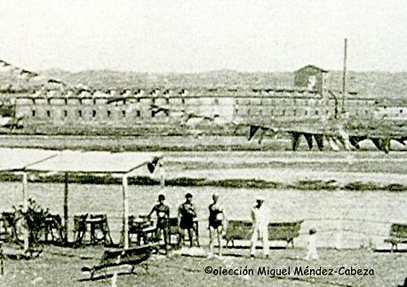 Las reales fábricas en la-otra orilla frente al canoeclub