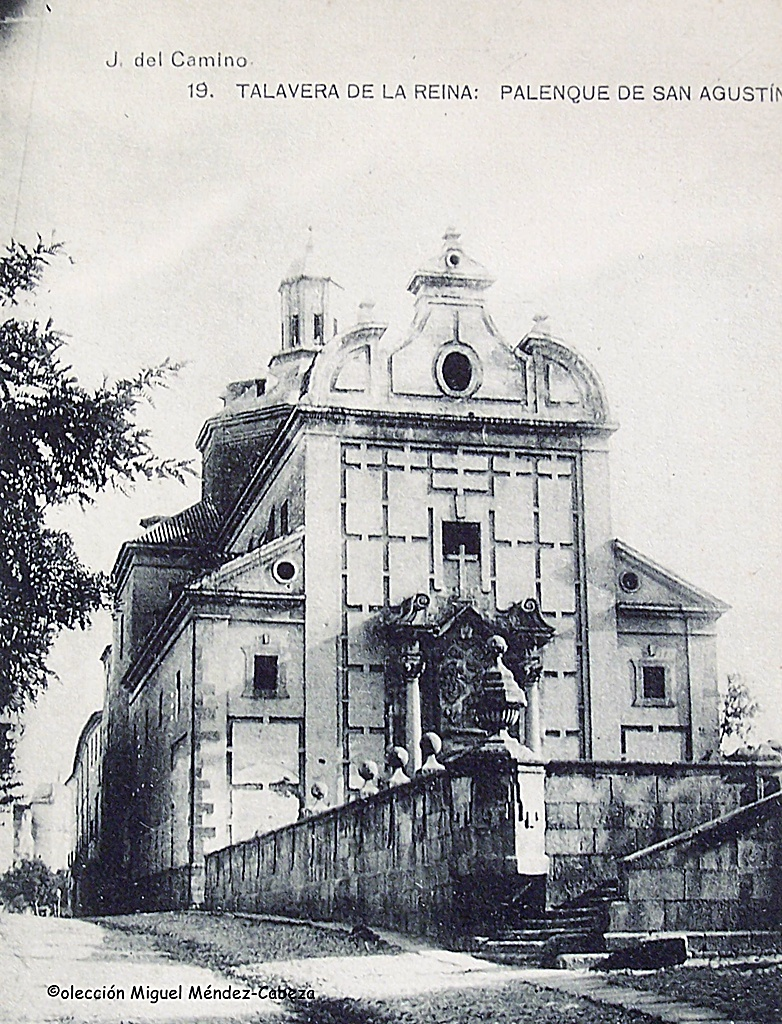 Palenque y fachada del convento jesuita de San Ildefonso, más tarde cine Palenque y Mercado de Abastos