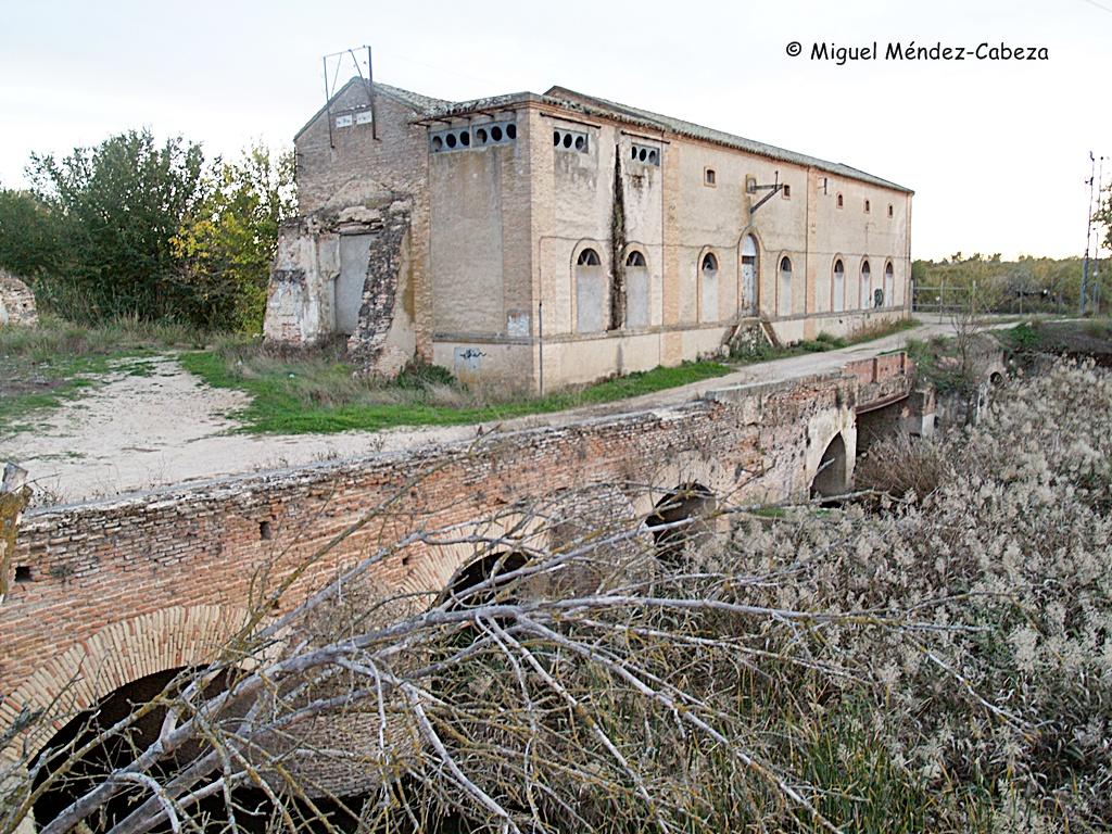 Las centrales eléctricas aprovecharon los antiguos molinos para sus instalaciones, como en estos de Cebolla