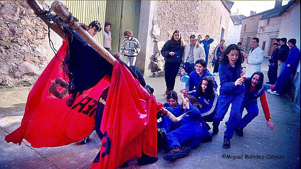 Fiesta de la vaquilla en Aldeanueva de Barbarroya