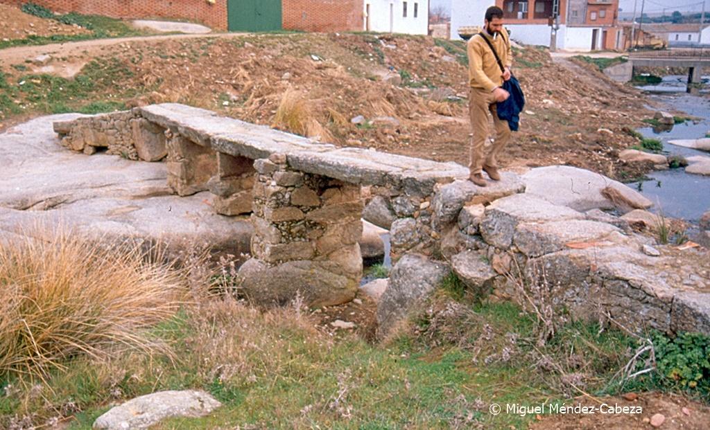 Puente sobre el Sangrera en Torrecilla de la Jara